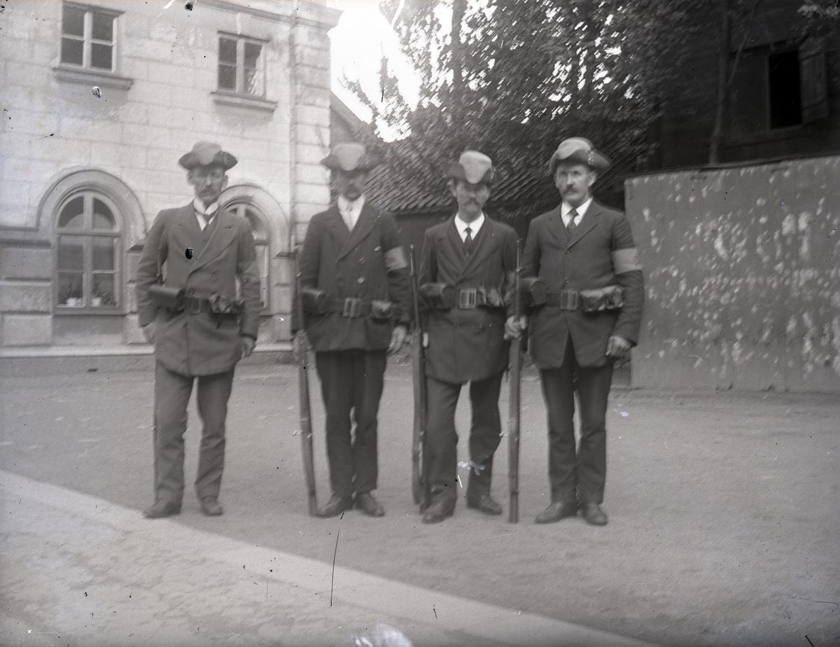 Några personer ur landstormen i Kalmar under första världskriget.