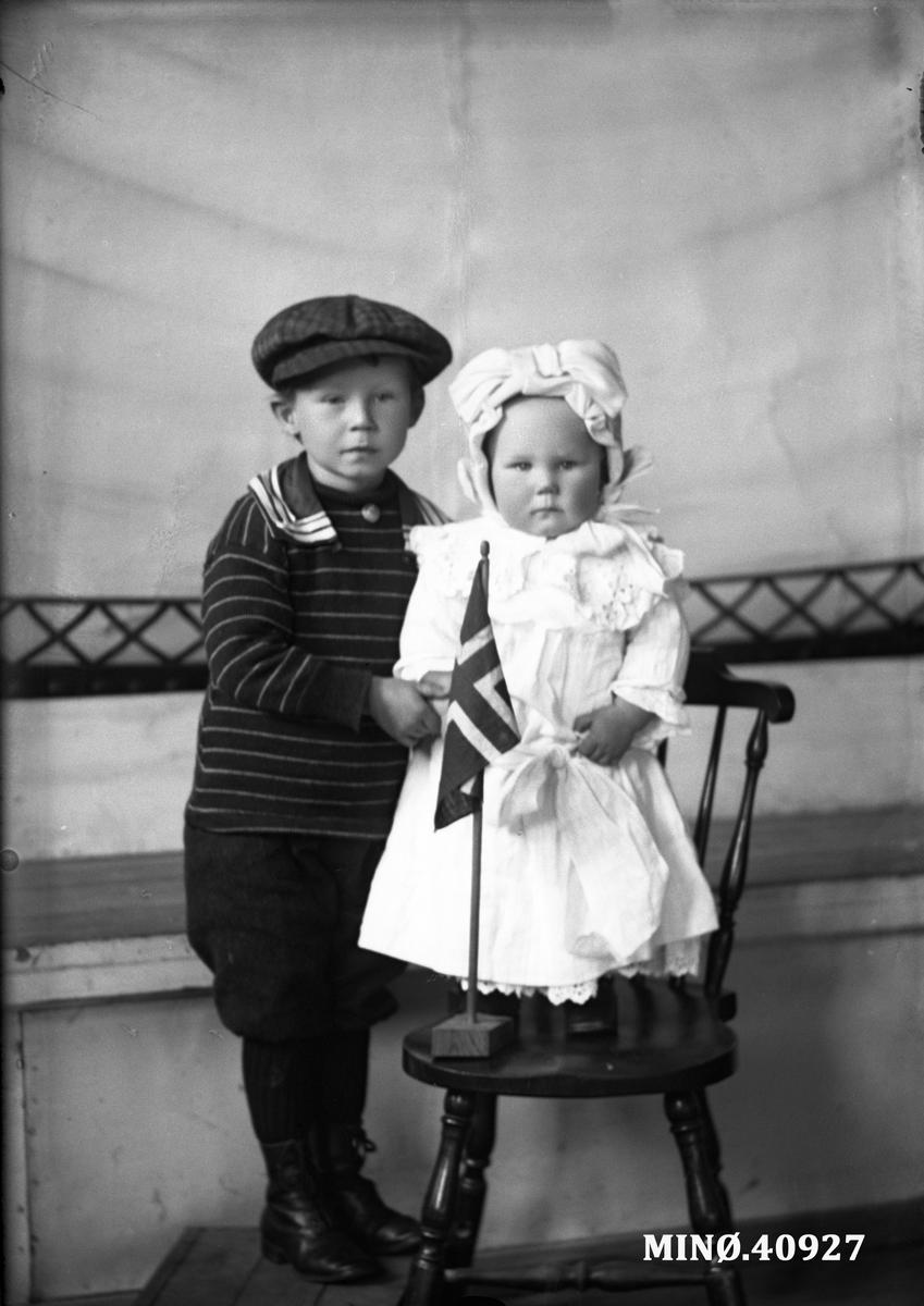 Portrett av to små barn - Jensehaugens barn