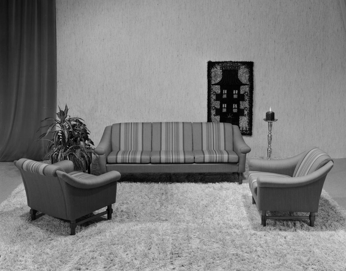 Sofa og lenestolar.
