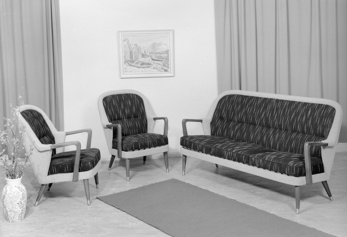 Salong. Lenestol og sofa.