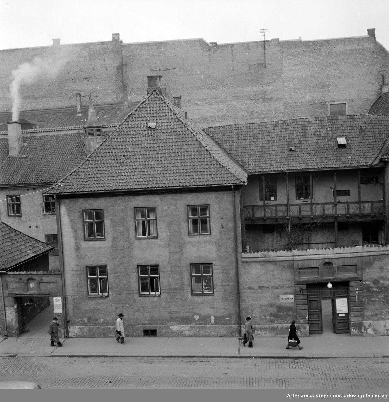 Rådhusgata 7. Politistasjonen. Februar 1948