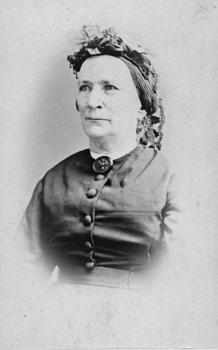Regina Helena Öhrnmark 1808-1896, född Lidfors gift 1848 med Robert Ö. Änka 1855.