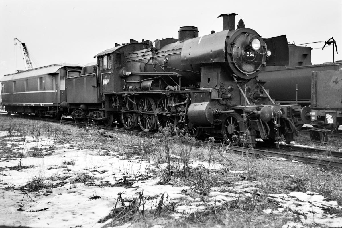 Utrangert damplokomotiv type 30b nr. 360  på Marienborg.
