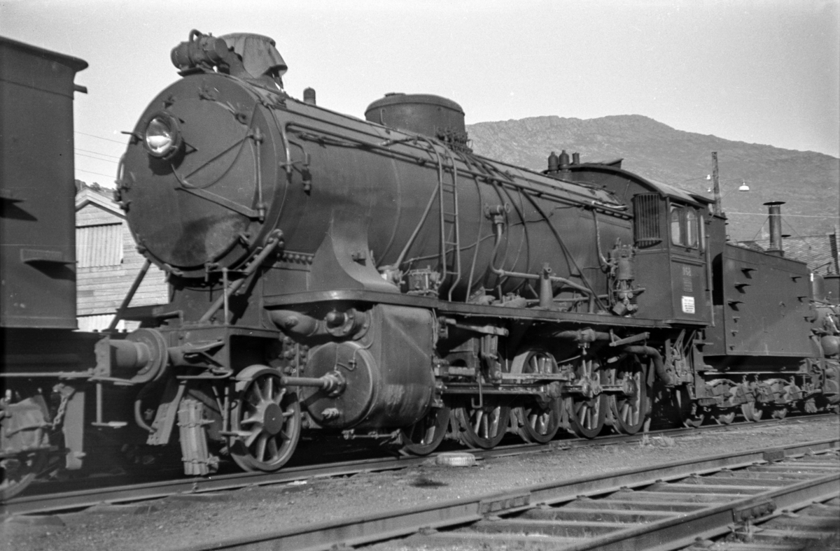 Utrangert damplokomotiv type 39a nr. 168 på Sjøsporet på Bergen stasjon.
