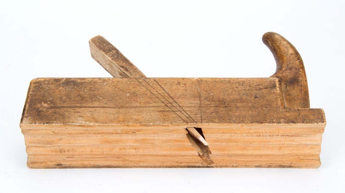 Profilhøvel, snekkerverktøy, for høvling av profil Tilstand: høveltann mangler