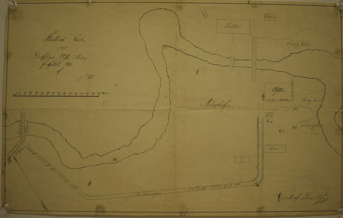 Repro av kart over Drevsjø smeltehytteområde i 1816.   Malmplassen, smeltehytta, kullhus , vannledning, smie og stuebygning er inntegna på kartet.  Kartet finnes i Røros Kobberverks arkiv.