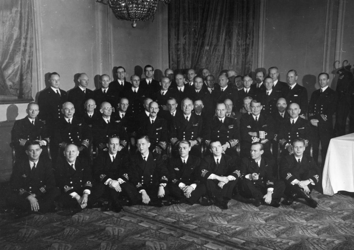 Motiv: Deltakere i SMS`s stiftelsesmiddag, London 1943