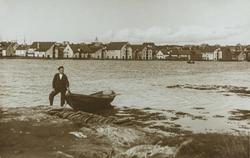 Hassløy sett mot nordøst fra Garpeskjær, ca. 1895.