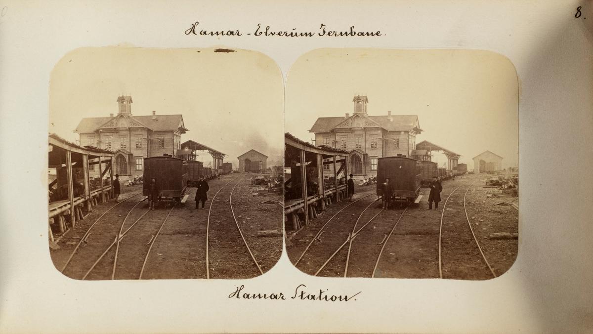 Jernbanevogner og jernbanepersonale på Hamar stasjon