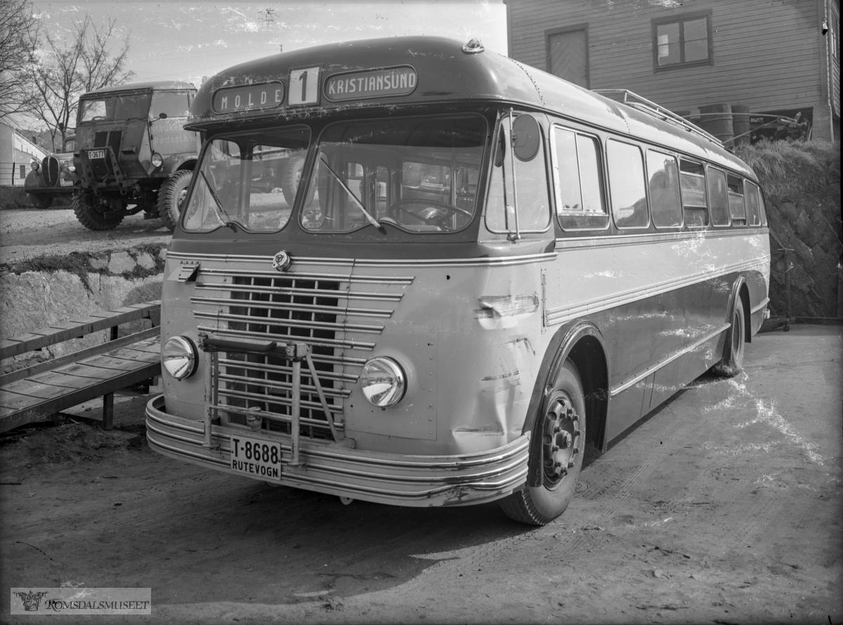 T-8688 var en Scania-Vabis personbuss, 1951-modell, med karosseri bygd ved Larvik Karosserifabrikk. Det var Aarø Automobilselskap som kjøpte bussen for bruk i ruta Molde-Gjemnes i korrespondanse med ferge til og fra Kristiansund. Men alt i 1952 stod veien over Frei ferdig, og fergeruta ble forkortet til Gjemnes-Kvitnes. Bussene fulgte fra da av ferga og bussene gikk dermed hele veien Molde-Kristiansund. .I 1963 fikk bussen satt i dør passasjerer helt bak også. Bussen gikk fra da av i lokalruter for Hjelset Auto. Bussen var i bruk til tidlig på 1970-tallet. Bussen kostet ca. 81000 kr som ny.