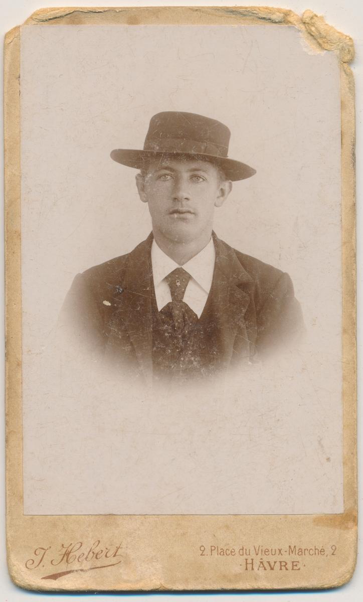 Portrett ung mann, ukjent
