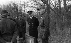 Militärbefälhavaren inspekterar A 6.