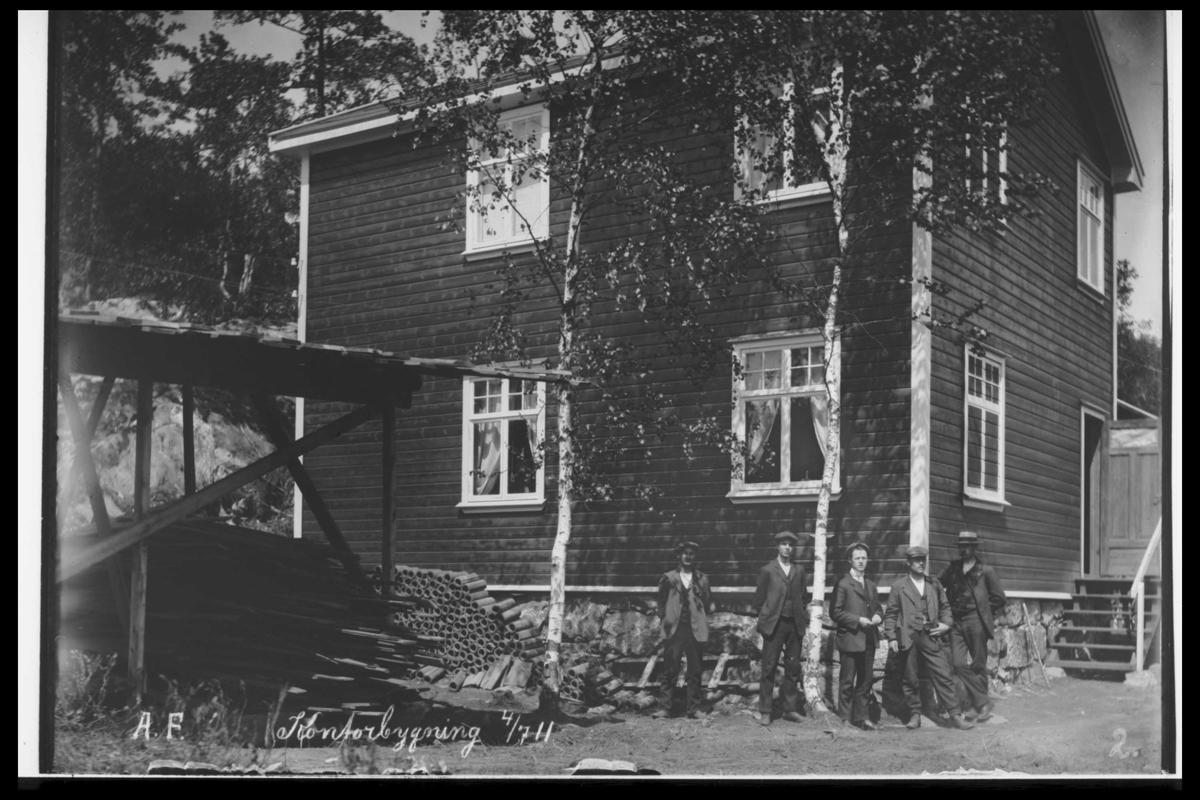 Arendal Fossekompani i begynnelsen av 1900-tallet CD merket 0469, Bilde: 16 Sted: Bøylefoss Beskrivelse: Det gamle kontoret