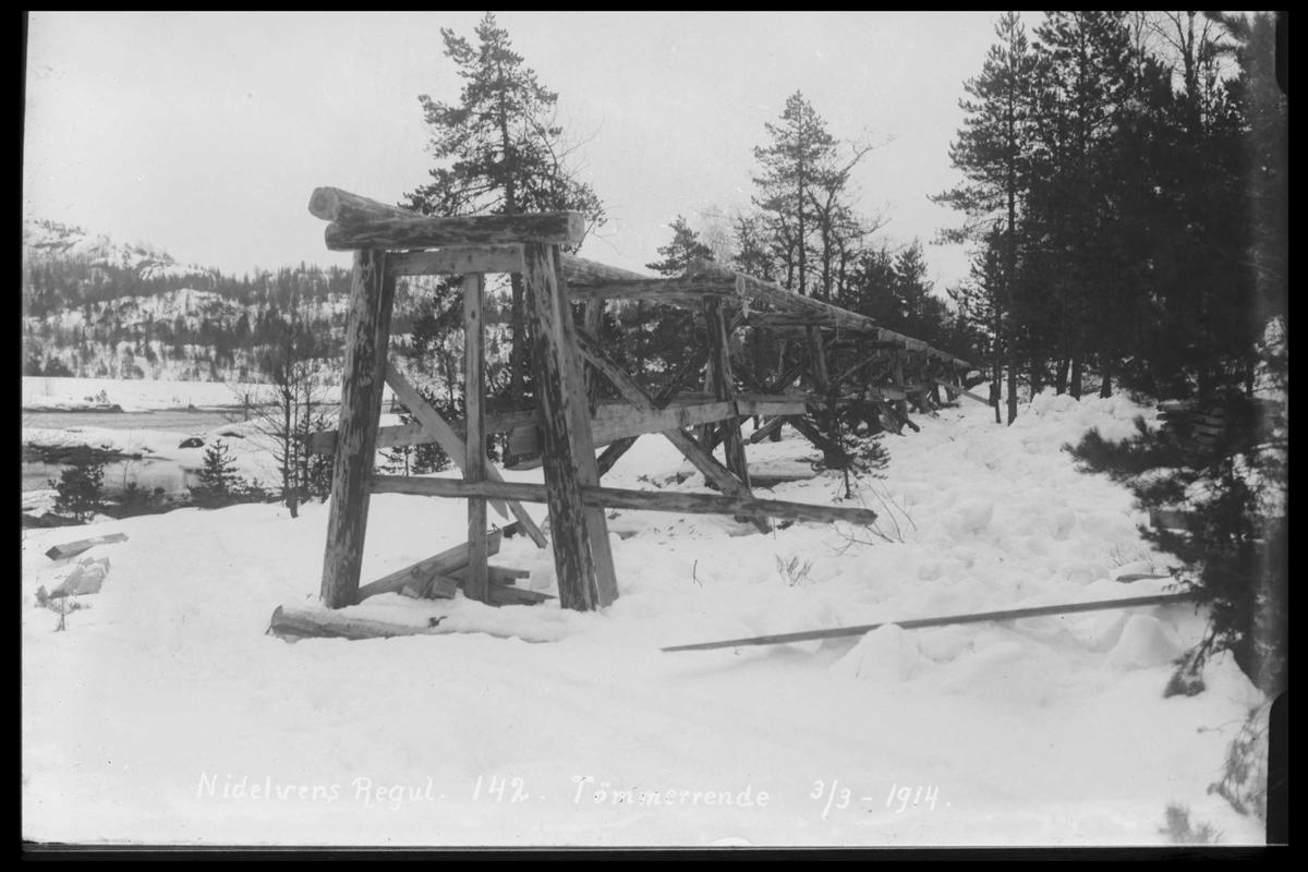 Arendal Fossekompani i begynnelsen av 1900-tallet CD merket 0474, Bilde: 18 Sted: Flaten Beskrivelse: Tømmerrenne. Flatenfoss