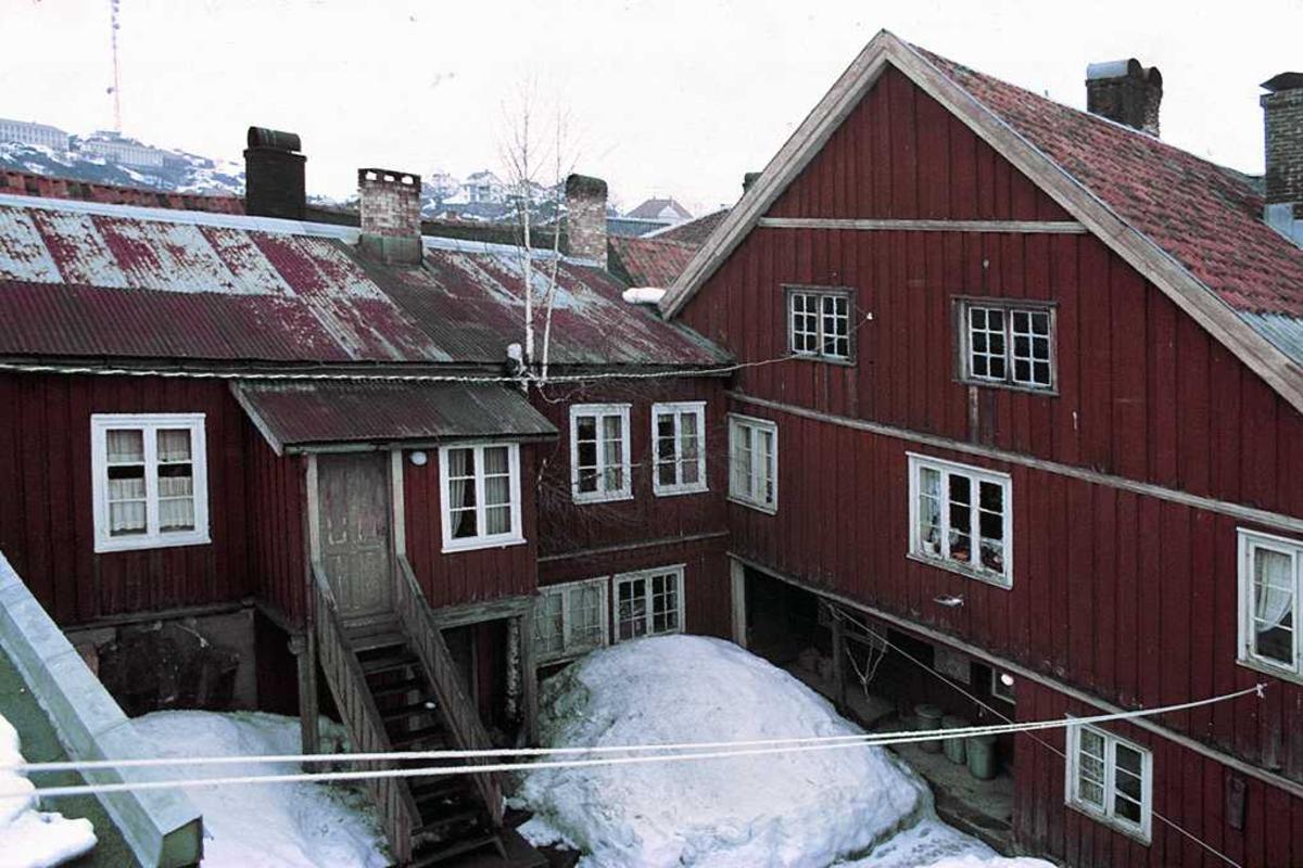van Kampens  hus på Tyholmen. Gavlfasade. Før restaurering.