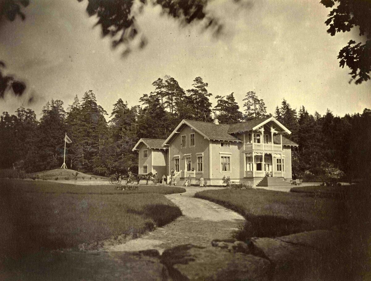 Fra John Ditlef Fürst fotoalbum. Morten Kallevigs landsted Skovsbo på Hisøy i Arendal. Bilde nummer AAks 44 - 4 - 7 - 123