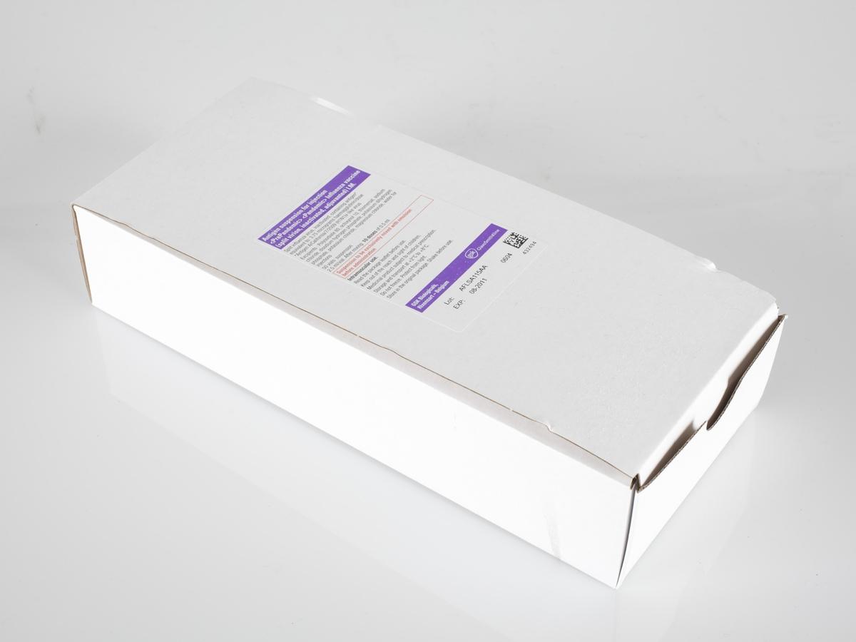 Esken er hvit med påtrykk. På eskens lokk finner man informasjon om innholdet   Esken er foldet av et stykke utskåret papp som er foldet. Esken er uten innhold.  Gjenstanden er innsamlet i forbindelse med et Hot spot Samtidsprosjekt om Svineinfluensa 2009.
