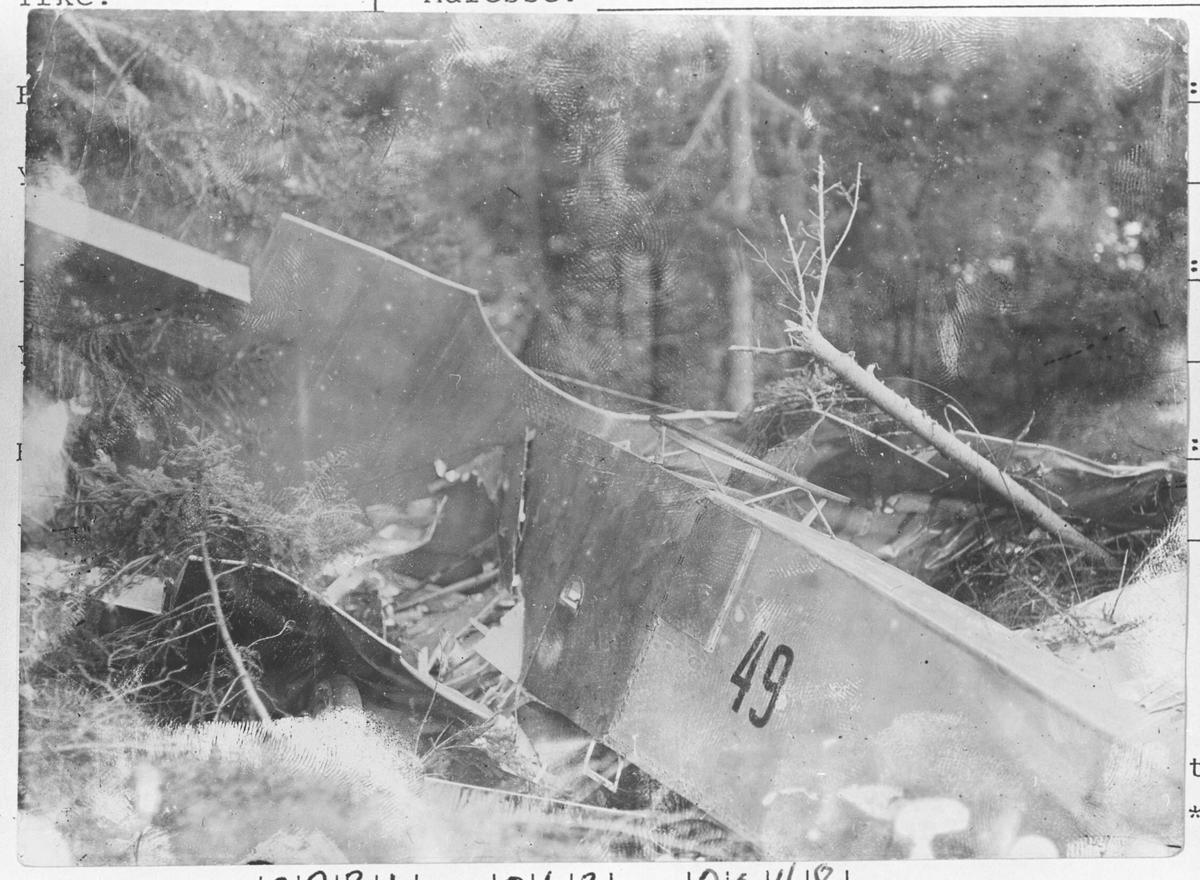 """Del av et flyvrak. En """"Kaje"""" som falt ned 1930?"""