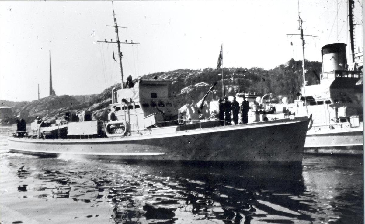 Enkeltbilde. Ubåtjageren Hitra i Kristiansand mars 1946.