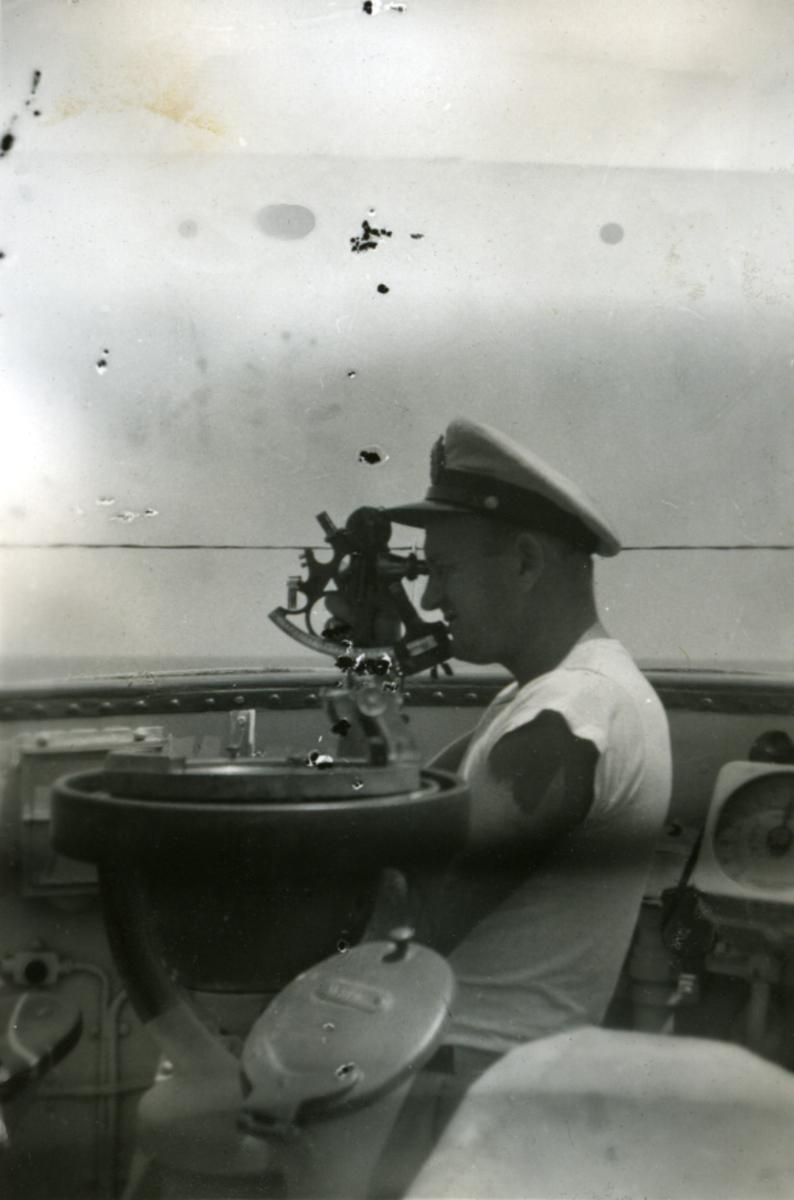 Album Ubåtjager King Haakon VII 1942-1946 Forskjellige bilder. T. Vaage.