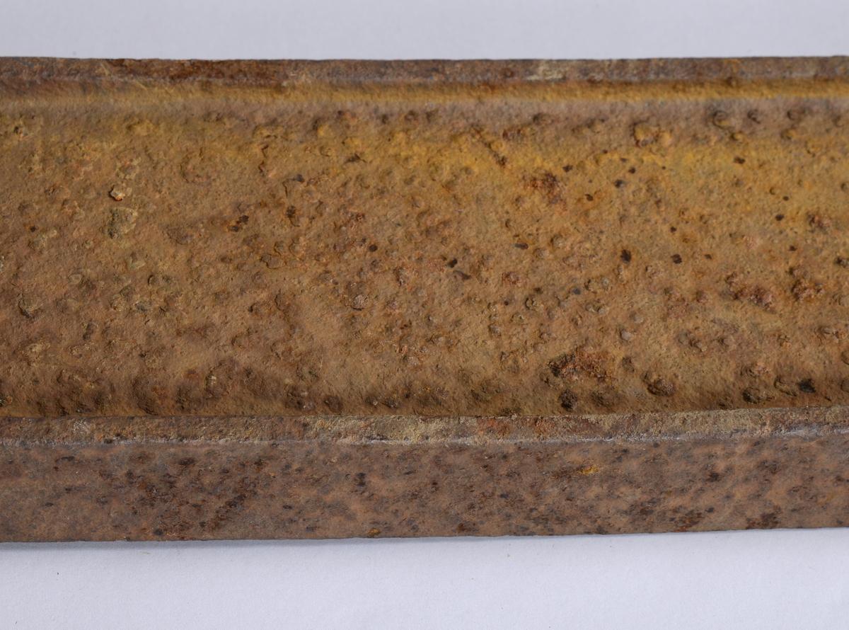 Anleggsskinne brukt til frakt, for eksempel ved hjelp av trillebår, gjennom ulendt terreng.