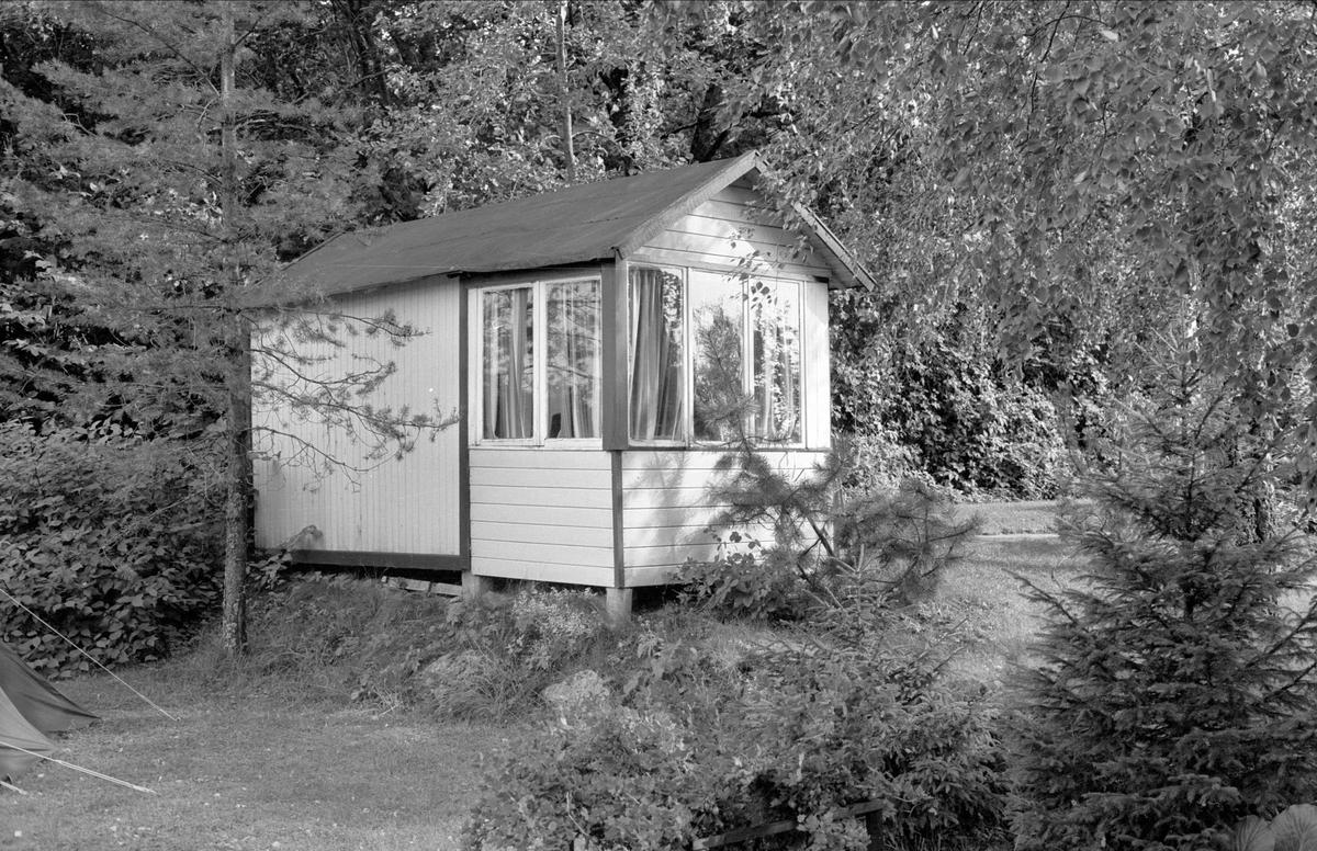 Lekstuga, Holmängen, Hallkved 16:13, Funbo, Funbo socken, Uppland 1982