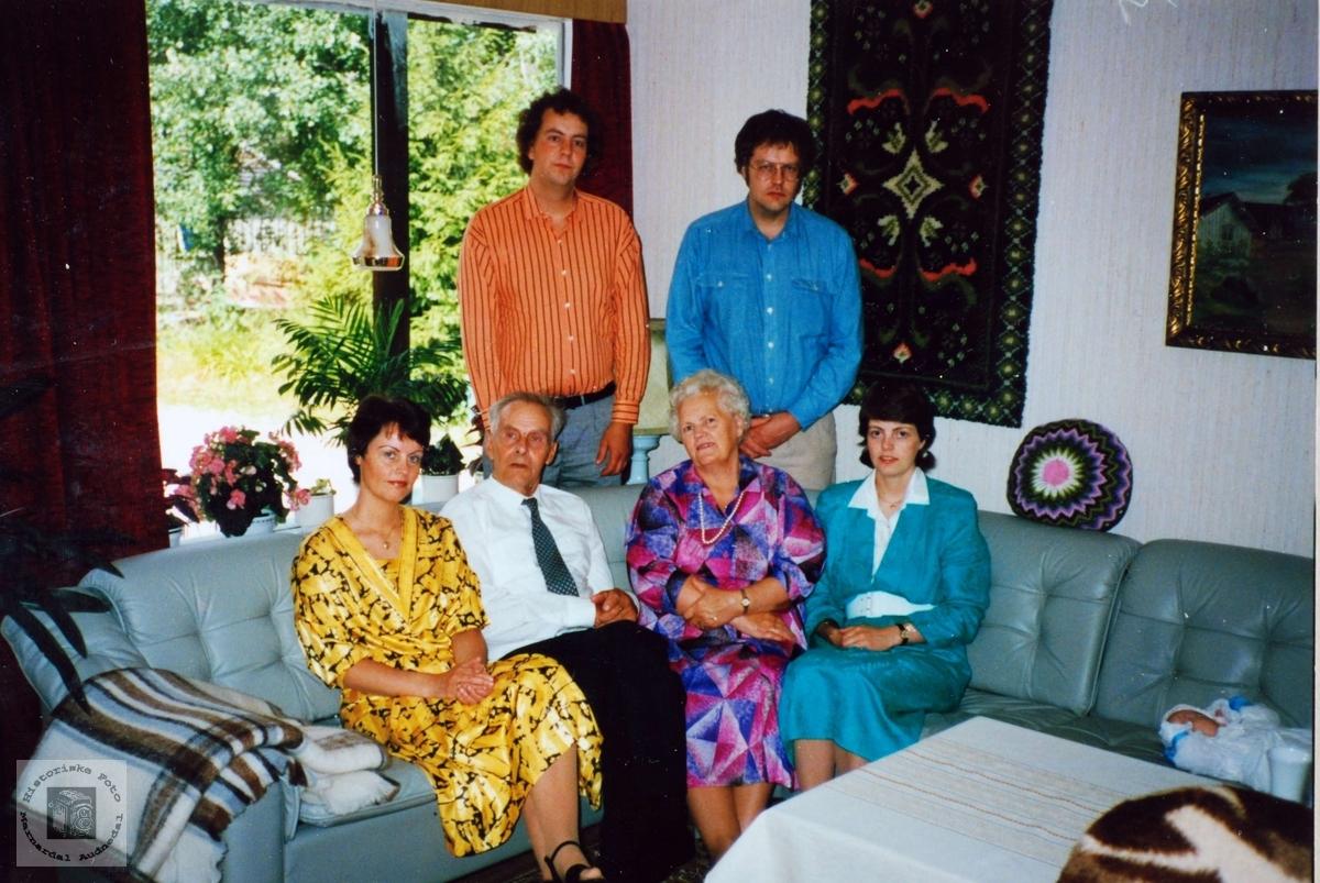 Familiebilde Sveindal i Grindheim.