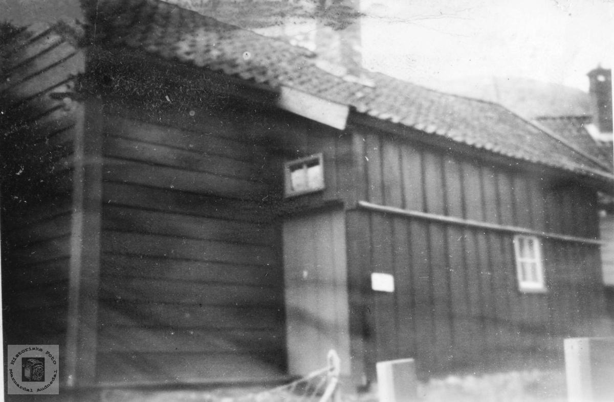 Huset der Gjest Bårdsen ble født. Sundalsøra.