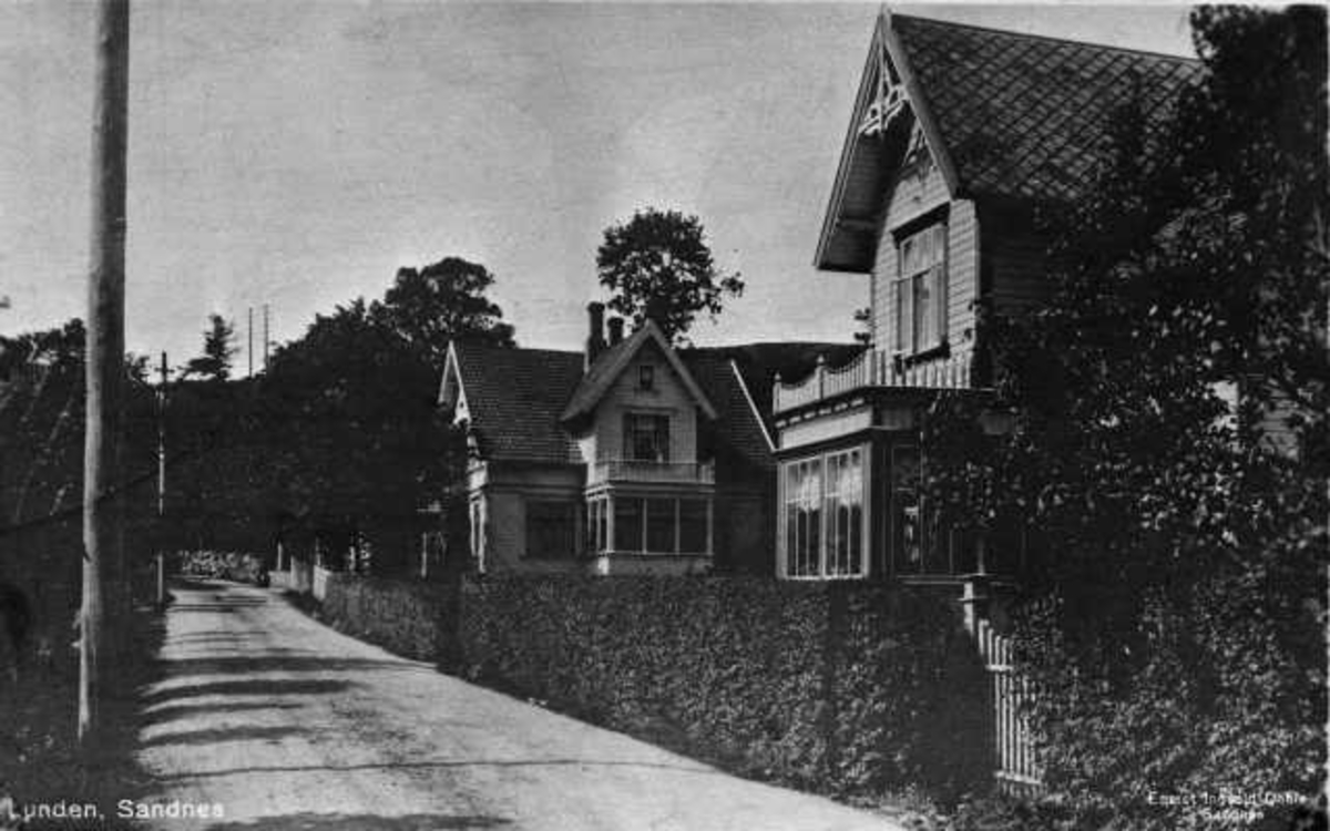 Gate i Stangeland på Sandnes: Lunden, foran Lunden 3, bak Lunden 7