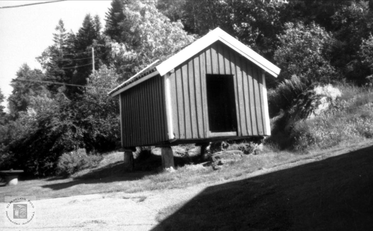 Stabbur i Åsen, Brunvatne i tidligere Øyslebø kommune.