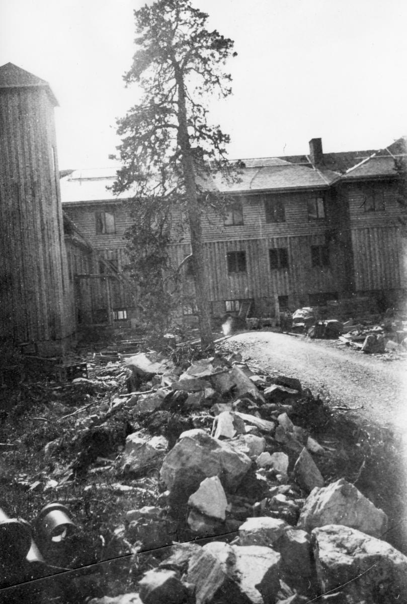 Fra byggingen av Svanvik ungdomsskole (nå folkehøgskole).