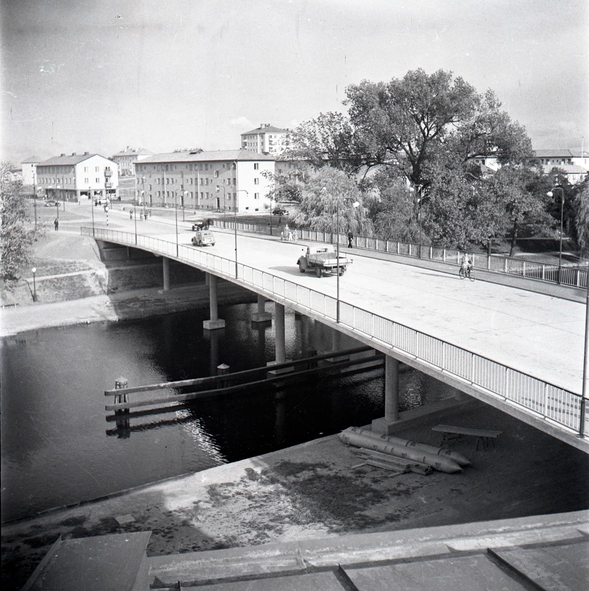 Drottningbron färdigbyggd och invigd.