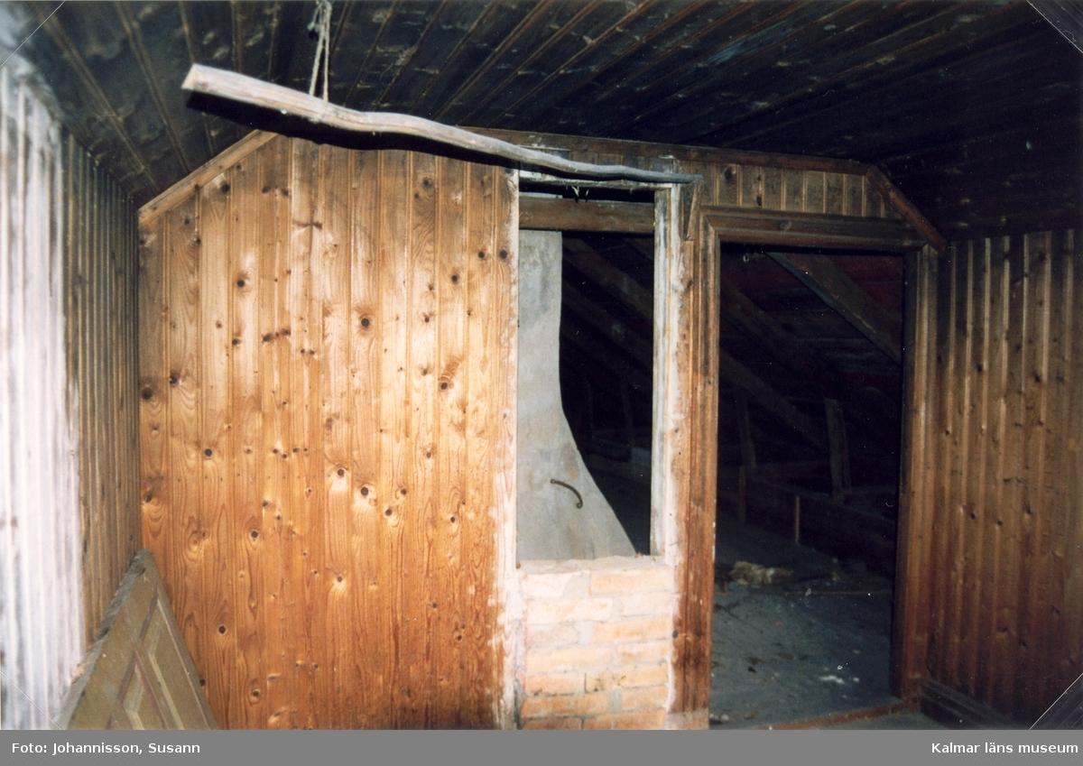 Interiör från vinden på Alsjöholms prästgård.