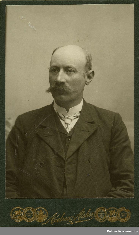 Porträtt av fabrikör Gustaf Richter, Nybro.