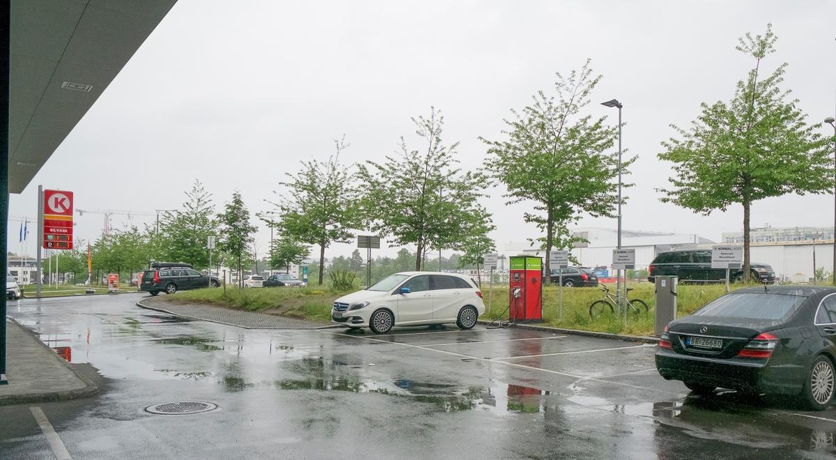Circle K bensinstasjon Rolfsbuktveien Fornebu Bærum
