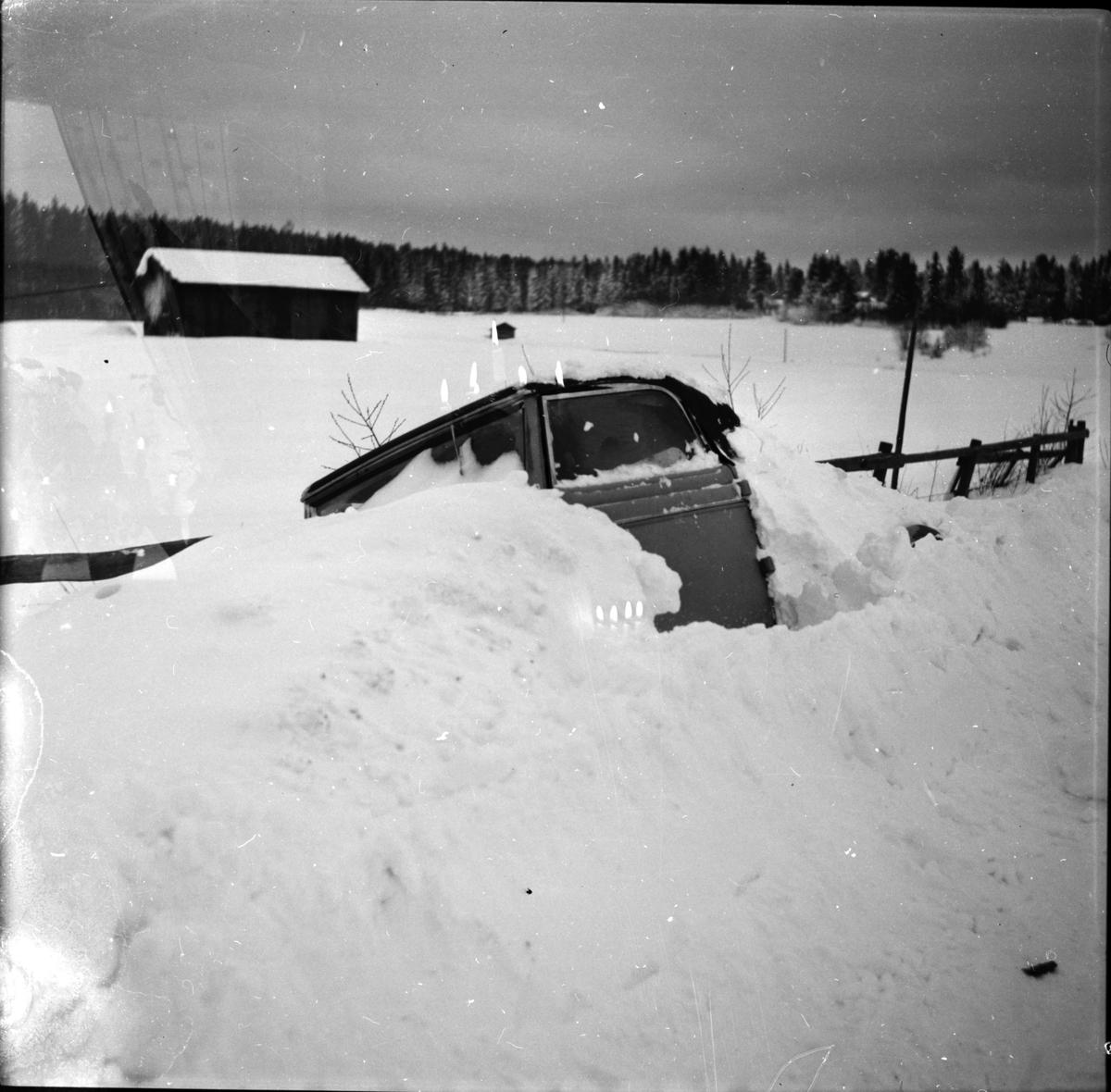 Snöbilder, Ovädret, 1955