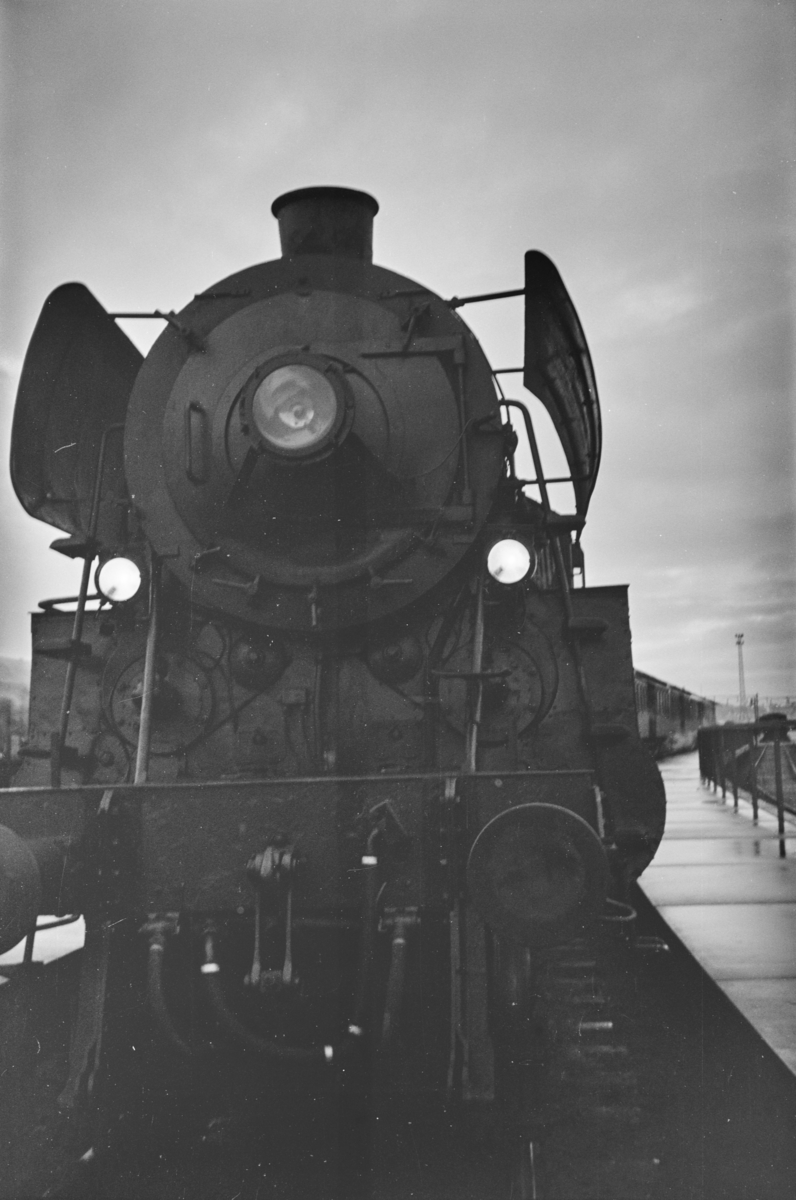 Damplokomotiv type 26c nr. 432 på Trondheim stasjon.
