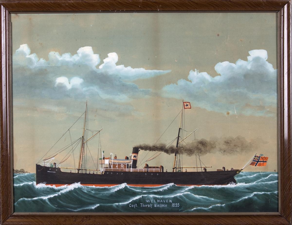 Skipsportrett av DS WELHAVEN, ukjent kystlandskap til venstre i motivet. Syv mann på dekk. Skorsteinsmerke og rederiflagg fra Kuhnle. I akter norsk flagg med unionsmerke.