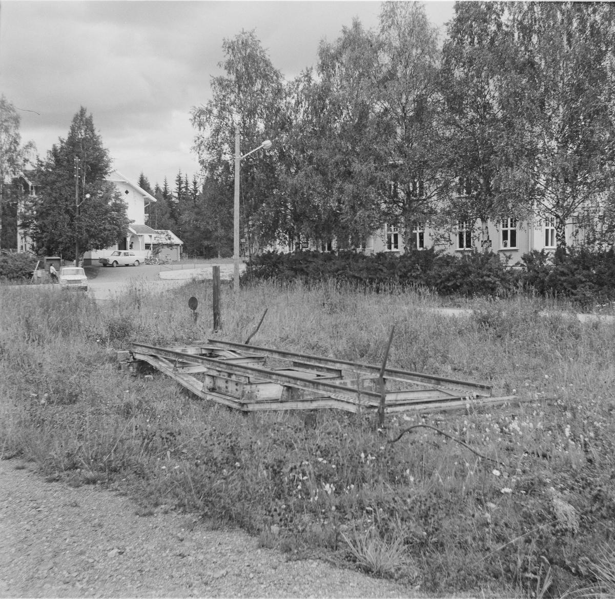 Sporet til Kongsberg gamle stasjon. Kongsberg fikk ny stasjon i 1917 i forbindelse med byggingen av Sørlandsbanen, og linjen ble lagt om, utenom den opprinnelige stasjonen.
