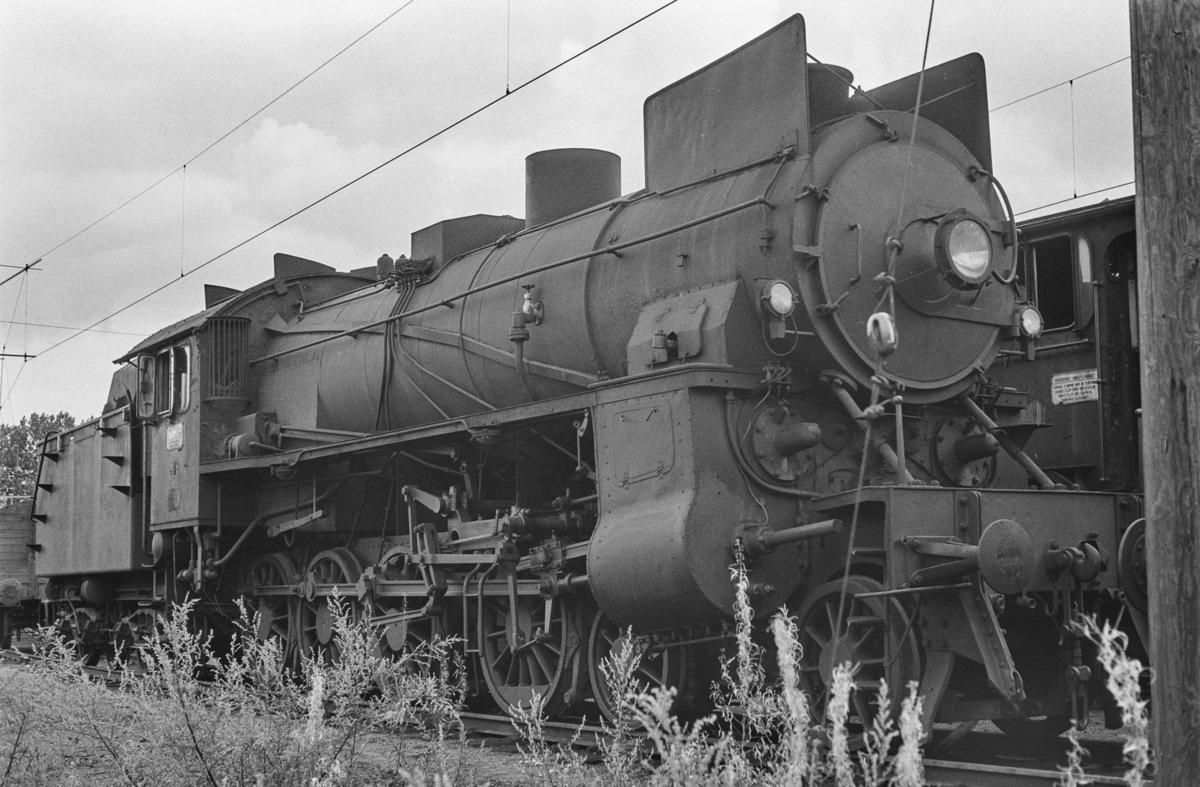 Utrangert damplokomotiv type 31b nr. 448 på Lillestrøm stasjon. Lokomotivet er hensatt og venter på å bli hugget opp.