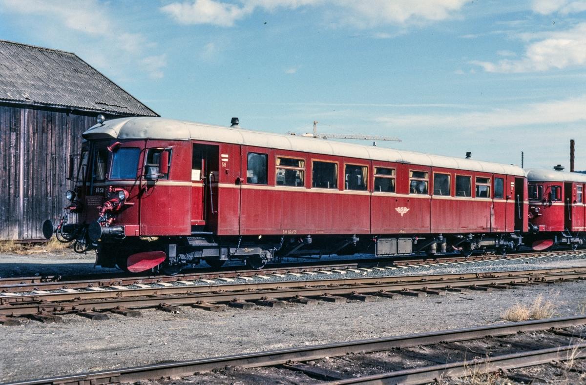Utrangert dieselmotorvogn type 86, BM 86 58 på Marienborg i Trondheim.