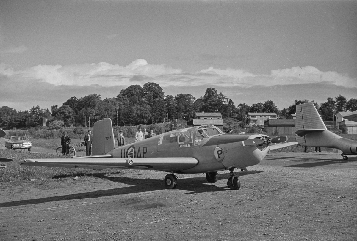 Flystevne på Lade flyplass. Saab Safir AP-U.