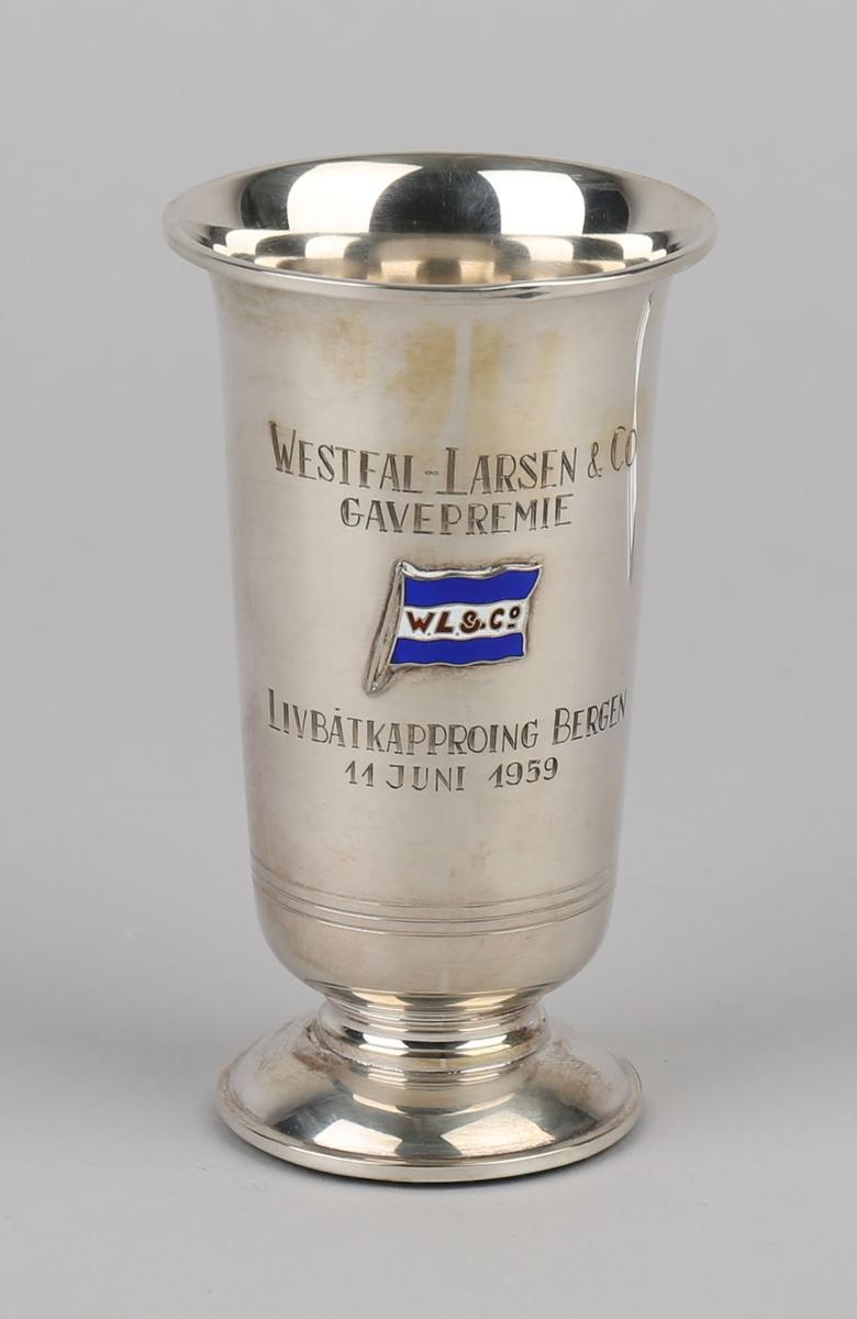 Sølvpokal. Westfal-Larsen & Co. A/S gavepremie. Med emaljert rederiflagg.