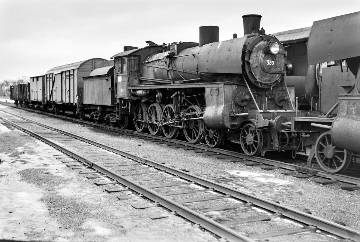 Utrangert damplokomotiv type 26c nr. 380 på Marienborg.