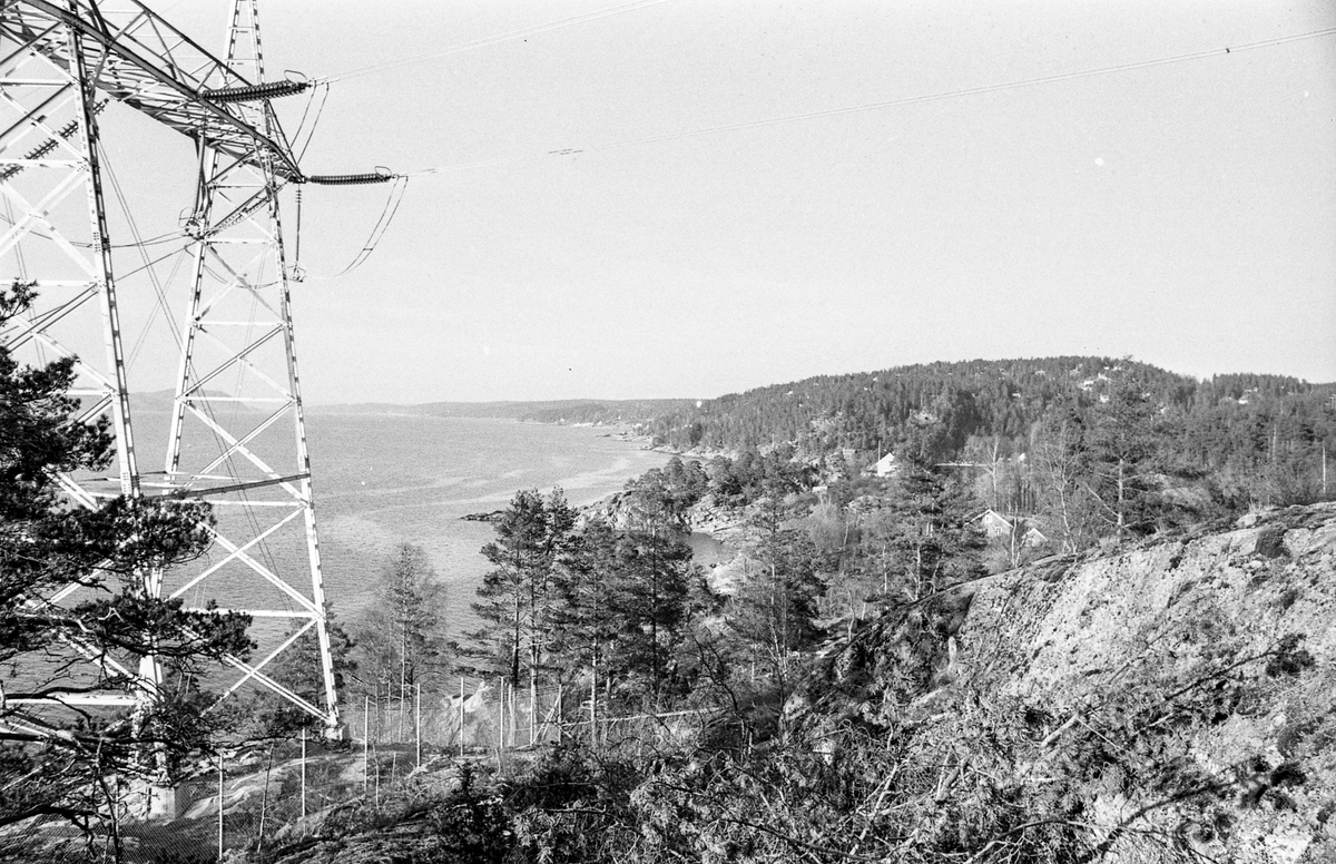 Emmerstadområdet i Vestby. Fine naturbilder, oversiktsbilder av bukten og området, kraftmast.