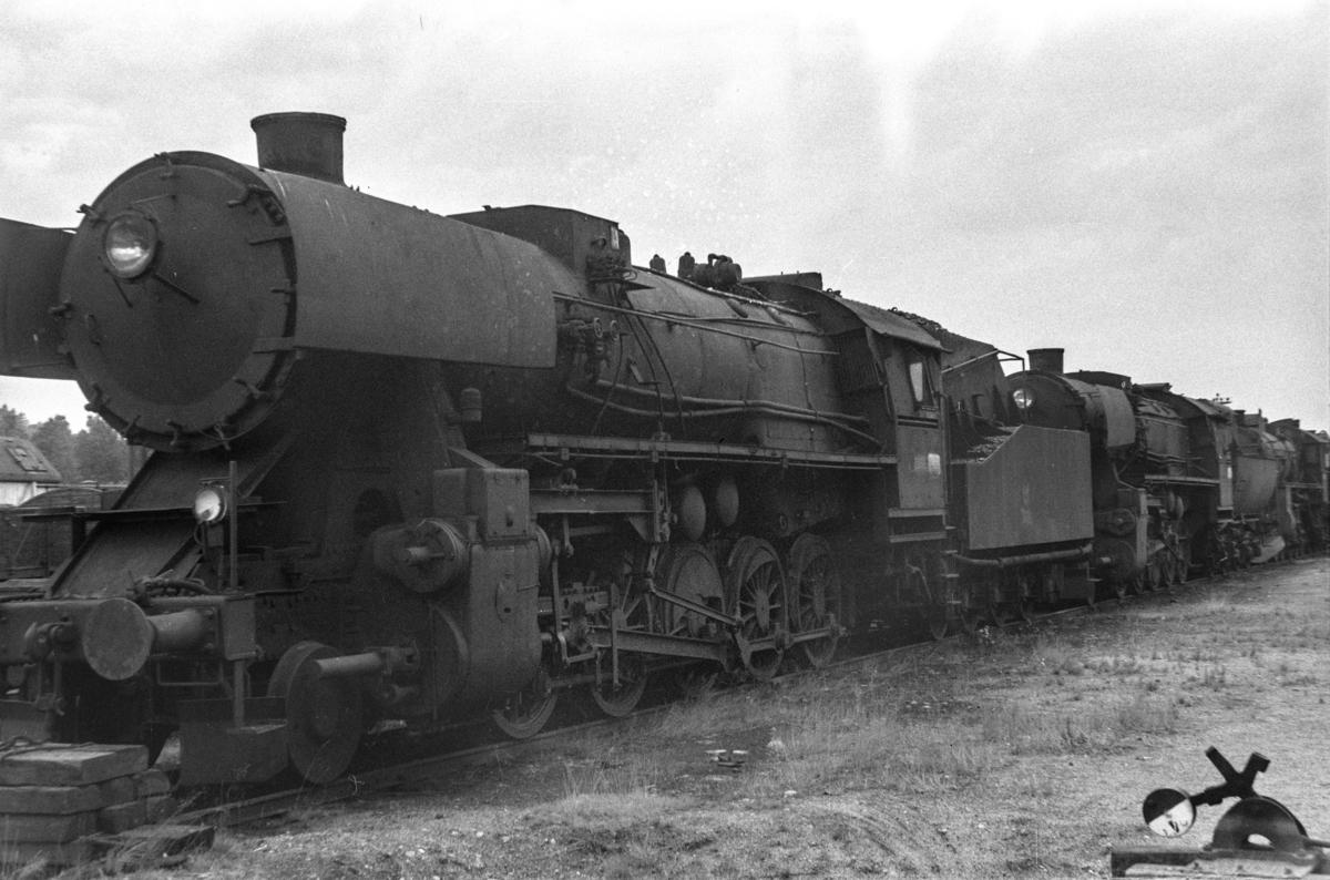Hensatte damplokomotiver i Lodalen i Oslo, nærmest type 63a nr. 5862.