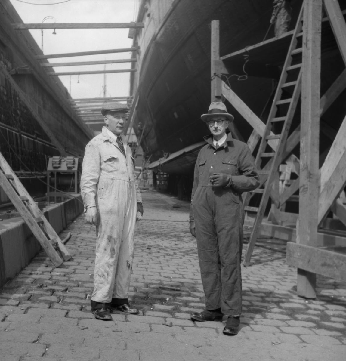 Maskingenjör Petterson, Malmö ,och chefen för det norra tyska järnvägsdistriktet, vid  Starkes ombyggnad på Kockums varv.