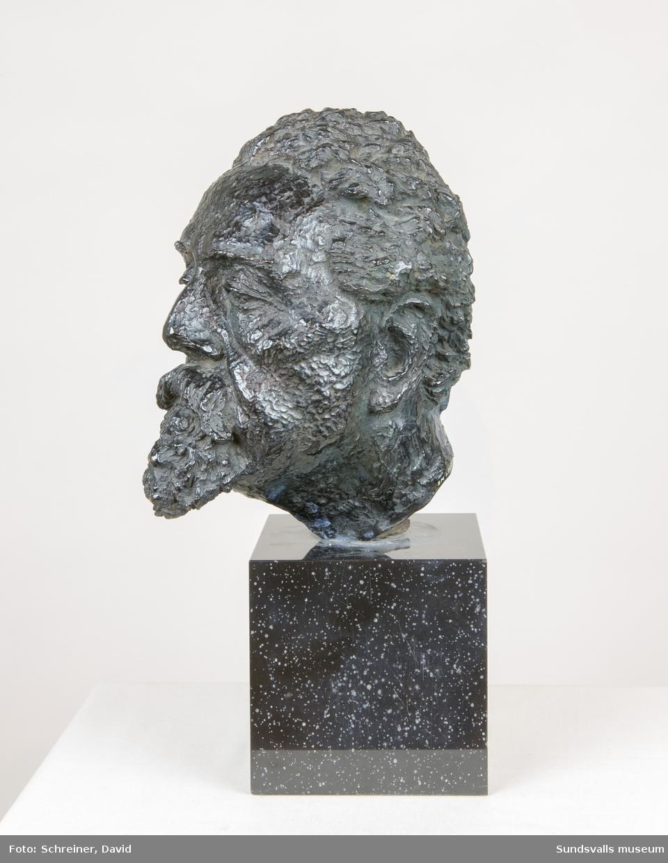En skulptur av K. O. Bonnier.