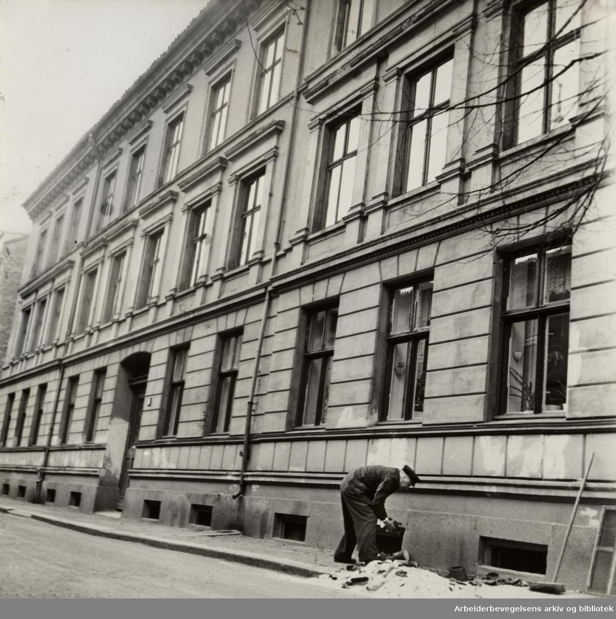 Ingelbrecht Knudssøns gate 5. der Venstre Arbeidersamfund ble stiftet. April 1950
