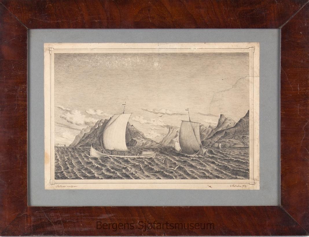 Detaljert pennetegning av kystlandskap i Nordland. To nordlandsjekter i forgrunn av motivet og to andre i bakgrunnen.